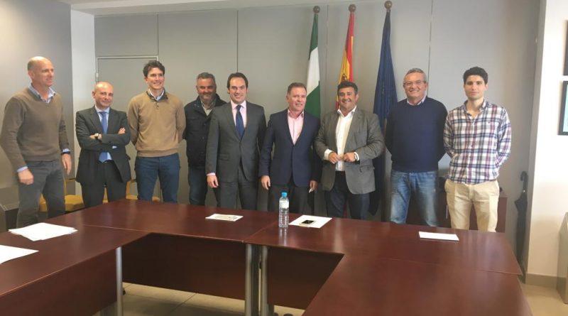Encuentro institucional entre el delegado de Fomento y AECO
